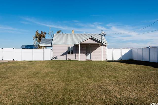 298 W Center St, Lewiston, UT 84320 (#1710390) :: The Perry Group