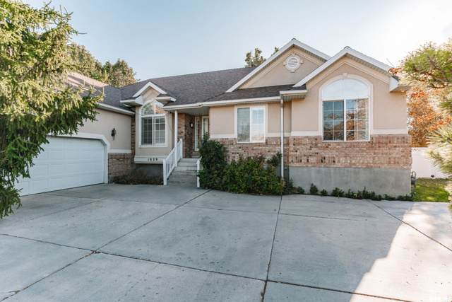 1039 W Taylors Park Cir S, Salt Lake City, UT 84123 (#1710528) :: Powder Mountain Realty