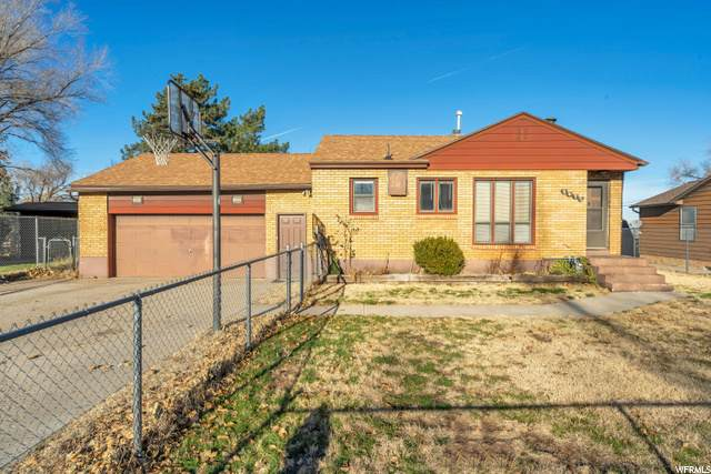 3975 S 2225 W, Roy, UT 84067 (#1713442) :: Colemere Realty Associates