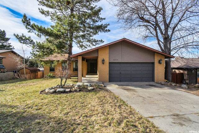 8894 S Alpen Way, Cottonwood Heights, UT 84121 (#1713511) :: The Perry Group