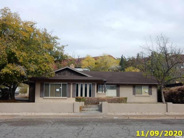 194 W 300 N, St. George, UT 84770 (#1713605) :: Colemere Realty Associates
