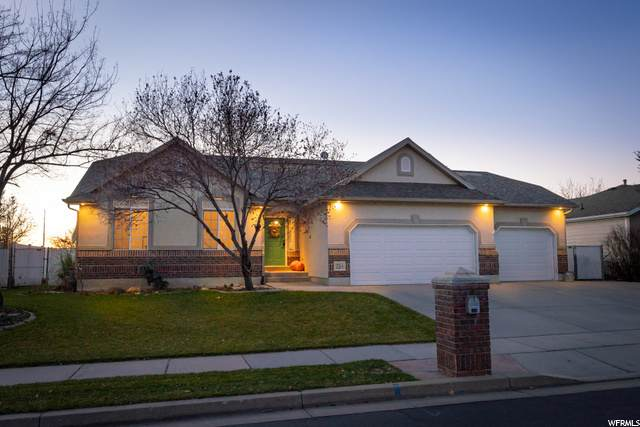 1126 S 110 W, Farmington, UT 84025 (#1713747) :: Doxey Real Estate Group