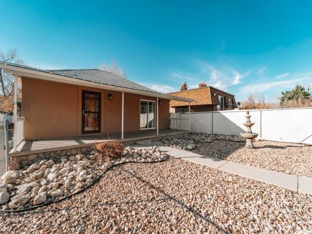 3746 S 300 E, South Salt Lake, UT 84115 (MLS #1714053) :: Lookout Real Estate Group