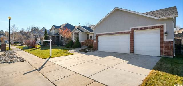 8666 S Terrace Ct, Sandy, UT 84093 (#1714515) :: Big Key Real Estate
