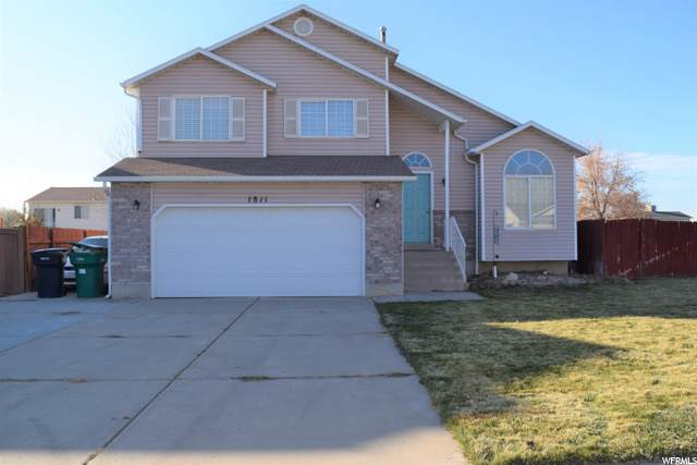 1811 S 200 W, Clearfield, UT 84015 (MLS #1714826) :: Jeremy Back Real Estate Team