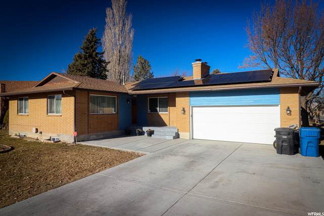110 Country Clb, Tooele, UT 84074 (MLS #1719012) :: Lookout Real Estate Group