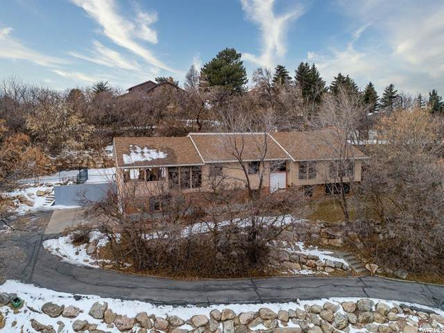 6063 S Sharon Cir E, South Ogden, UT 84403 (#1719087) :: Doxey Real Estate Group