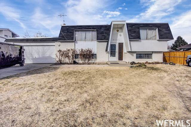 3040 W Don Salvador Ave, Taylorsville, UT 84129 (#1720062) :: goBE Realty