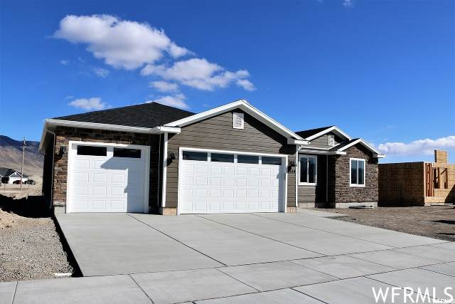5225 N Honey Suckle Way, Eagle Mountain, UT 84005 (#1720731) :: Red Sign Team