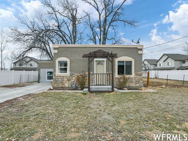 962 S 550 E, Clearfield, UT 84015 (#1724679) :: Exit Realty Success