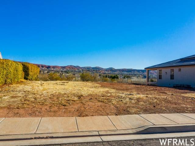 1966 Centennial Dr, St. George, UT 84770 (#1725848) :: RE/MAX Equity