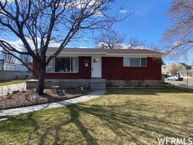 3544 S Blackhawk Dr W, West Valley City, UT 84120 (#1729680) :: REALTY ONE GROUP ARETE