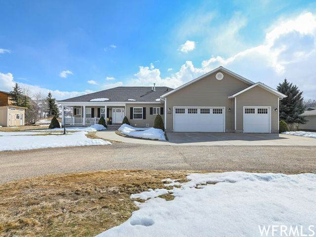 2414 E Crestview Dr, Woodland, UT 84036 (MLS #1730369) :: High Country Properties