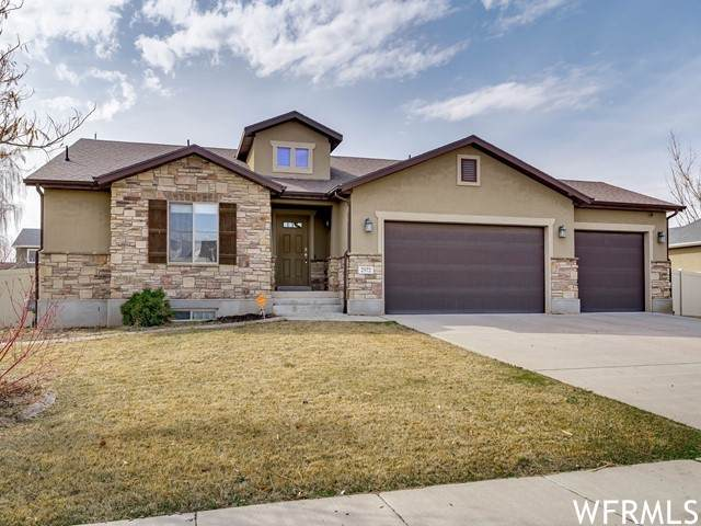 2572 S 2000 W, Syracuse, UT 84075 (#1730961) :: Colemere Realty Associates