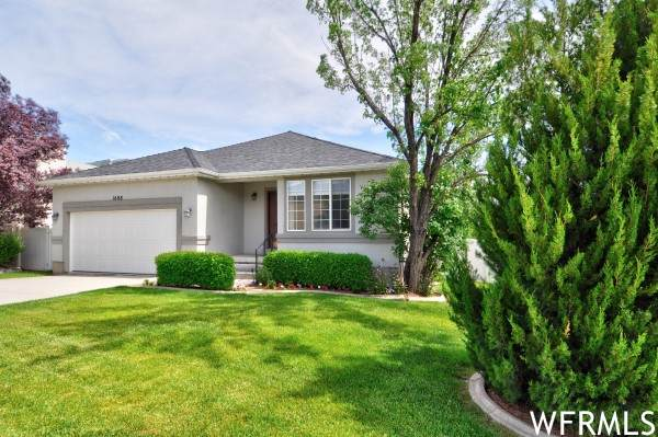 1608 N St Andrews Dr W, Farmington, UT 84025 (#1731906) :: Berkshire Hathaway HomeServices Elite Real Estate