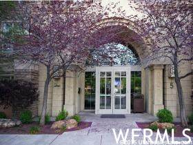 5 S 500 St W #717, Salt Lake City, UT 84101 (#1732357) :: The Perry Group