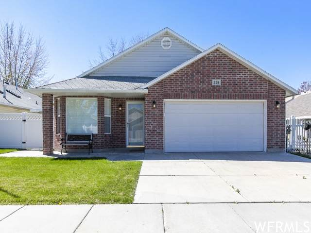 909 W 1570 N, Clinton, UT 84015 (#1738934) :: Utah Dream Properties