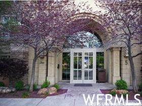 5 S 500 WEST St W #1005, Salt Lake City, UT 84101 (#1740031) :: The Perry Group