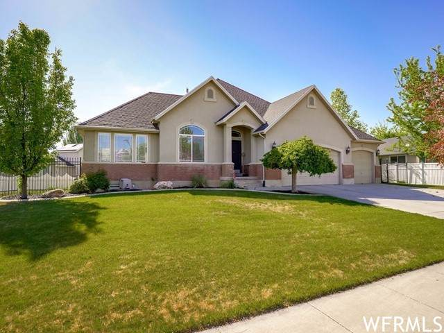 3786 S 550 W, Syracuse, UT 84075 (#1741755) :: Doxey Real Estate Group