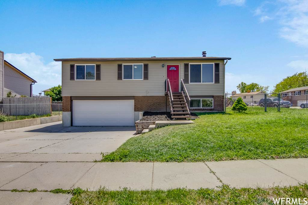 3949 Squire Dr - Photo 1