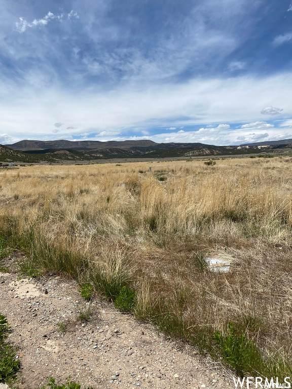 4880 W Hillside Dr N #67, Vernal, UT 84078 (#1744802) :: Utah Real Estate
