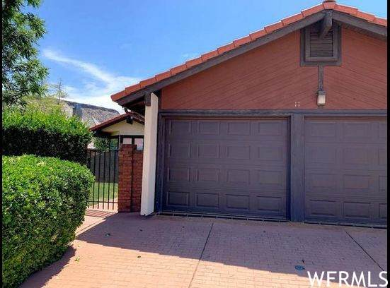 545 Valley Dr - Photo 1