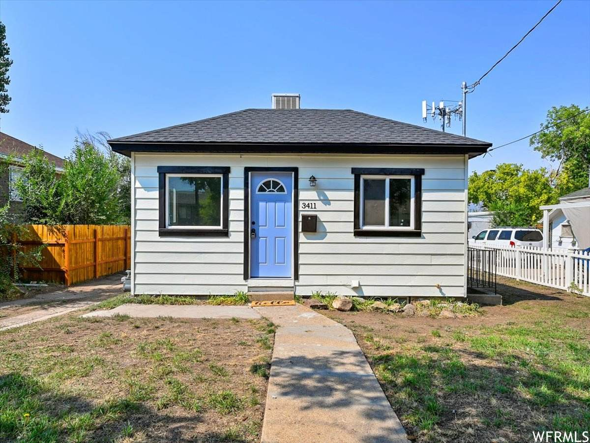 3411 Lincoln Ave - Photo 1