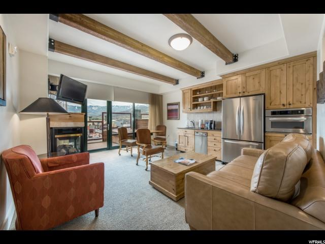 1456 W Newpark Blvd #417, Park City, UT 84098 (#1483505) :: The Utah Homes Team with iPro Realty Network