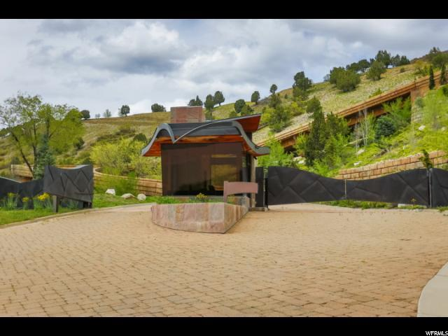 4102 Canyon Estate Dr, Cottonwood Heights, UT 84121 (#1490012) :: Colemere Realty Associates
