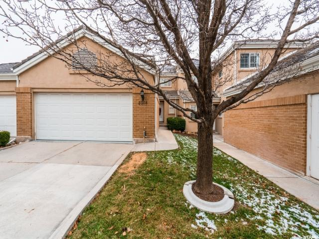 2366 E Summerspring Ln, Holladay, UT 84124 (#1495774) :: Colemere Realty Associates