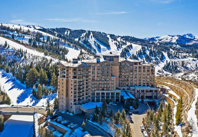2300 E Deer Valley Dr #202, Park City, UT 84060 (#1496829) :: The Perry Group