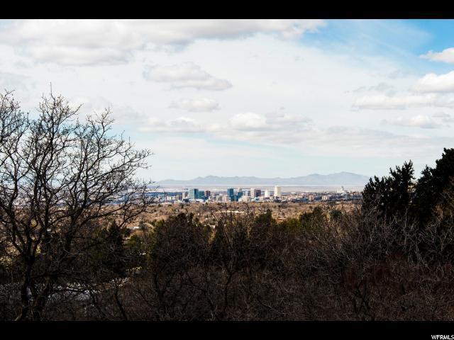 2731 E Comanche Dr, Salt Lake City, UT 84108 (#1514238) :: The Fields Team