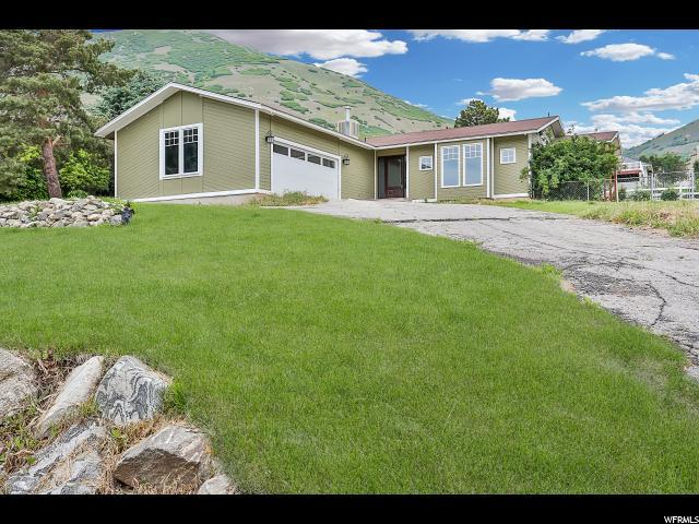 1146 N 200 W, Farmington, UT 84025 (#1526712) :: Bustos Real Estate | Keller Williams Utah Realtors
