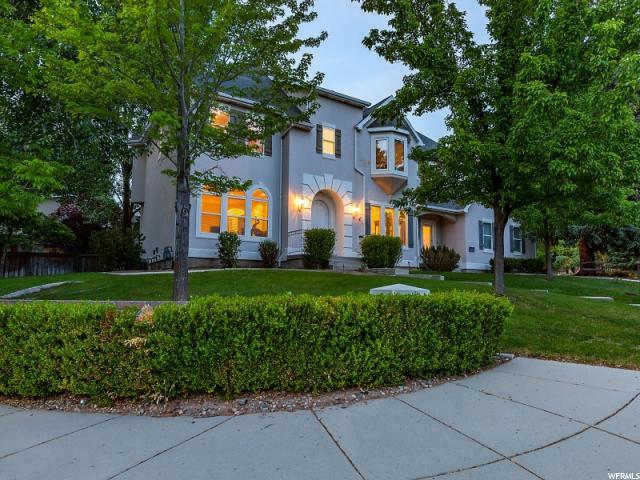 2318 E Wayman View Ct S, Holladay, UT 84117 (#1527316) :: Colemere Realty Associates