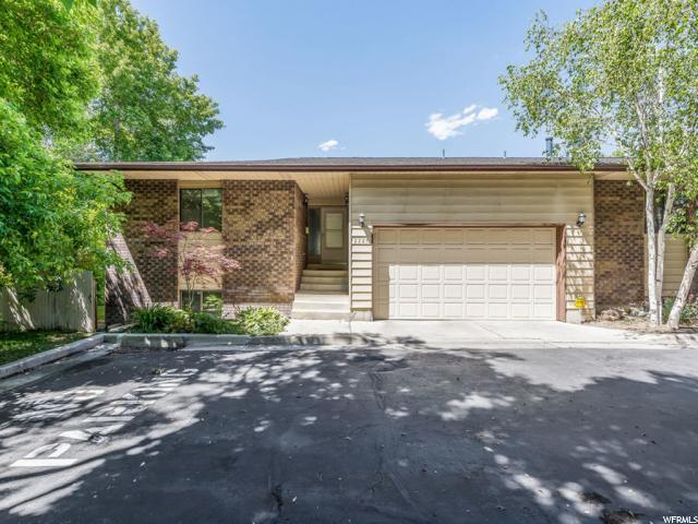 2227 E Lincoln Ct S, Holladay, UT 84124 (#1530315) :: Red Sign Team