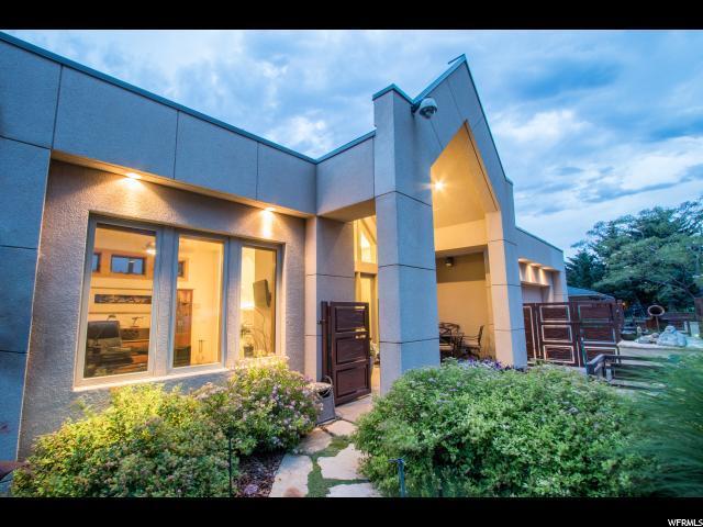 3660 Choke Cherry Dr S, Millcreek, UT 84109 (#1540264) :: Big Key Real Estate