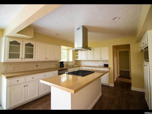 11606 S Hidden Valley Blvd, Sandy, UT 84092 (#1547437) :: Bustos Real Estate | Keller Williams Utah Realtors