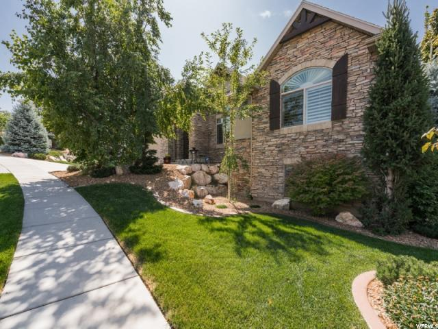 698 Ridge Top Ln, North Salt Lake, UT 84054 (#1553531) :: Exit Realty Success