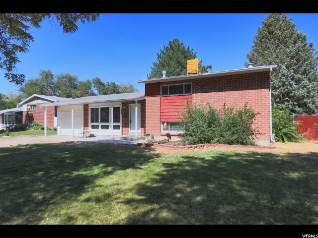 1552 W Dupont Ave N, Salt Lake City, UT 84116 (#1556459) :: goBE Realty