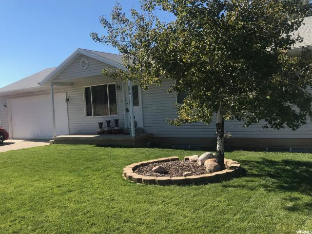 566 S Center St, Santaquin, UT 84655 (#1560090) :: Big Key Real Estate