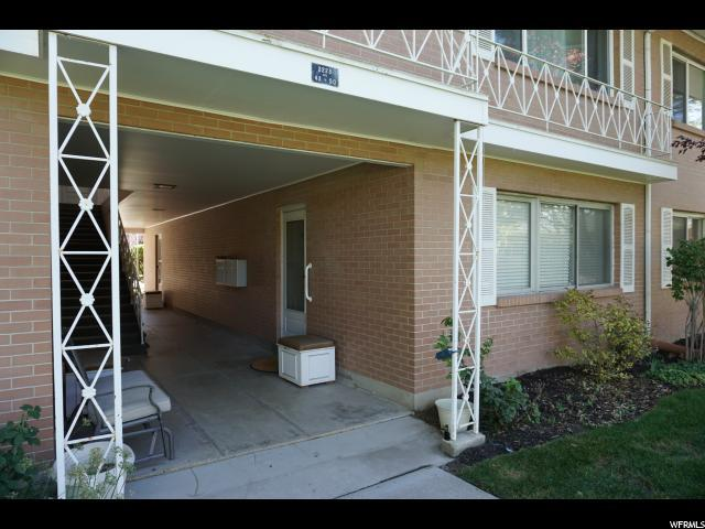 2223 E Carriage Ln #49, Holladay, UT 84117 (#1561045) :: goBE Realty