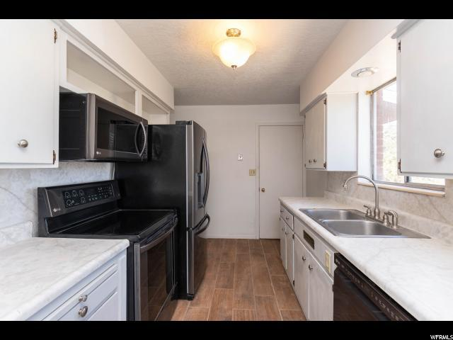1808 N Matthew Dr W, Layton, UT 84041 (#1561400) :: The Utah Homes Team with iPro Realty Network