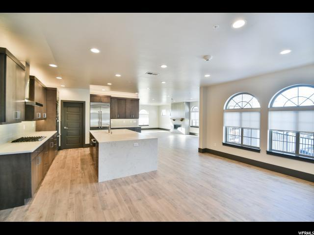 2369 E Murray Holladay Rd S #309, Salt Lake City, UT 84117 (#1574452) :: goBE Realty
