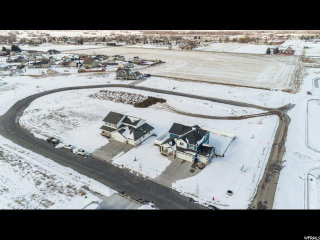 1015 W 2350 S, Nibley, UT 84321 (#1578568) :: Colemere Realty Associates