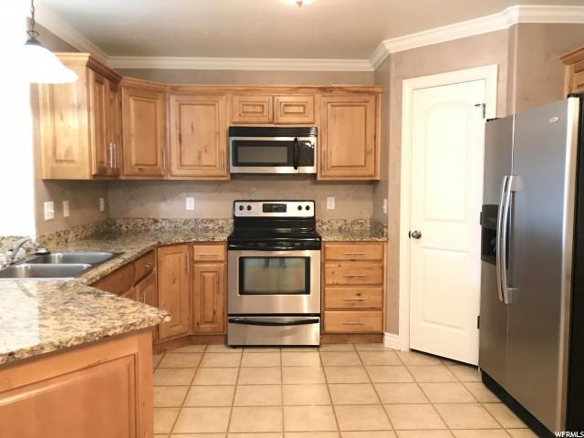 424 S 2150 W #201, Pleasant Grove, UT 84062 (MLS #1584315) :: Lawson Real Estate Team - Engel & Völkers