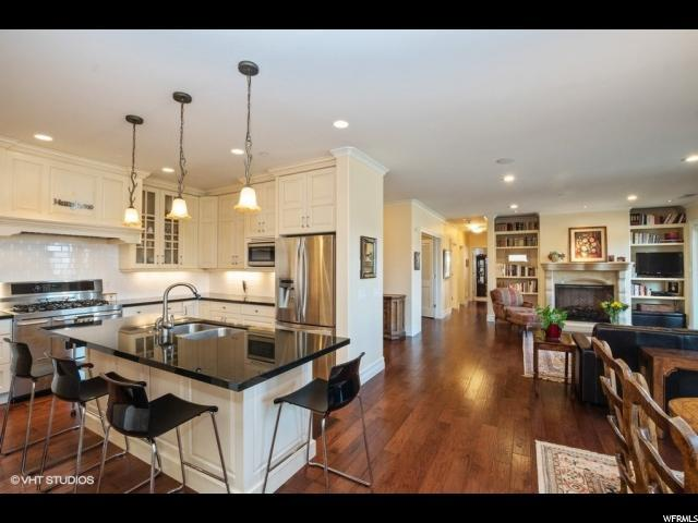 1706 E Murray Holladay Rd S #203, Holladay, UT 84117 (MLS #1589068) :: Lawson Real Estate Team - Engel & Völkers