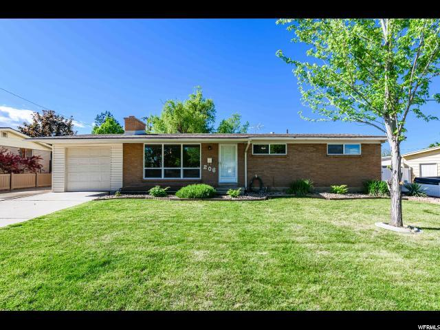 206 E 7890 S, Sandy, UT 84070 (#1604179) :: Colemere Realty Associates