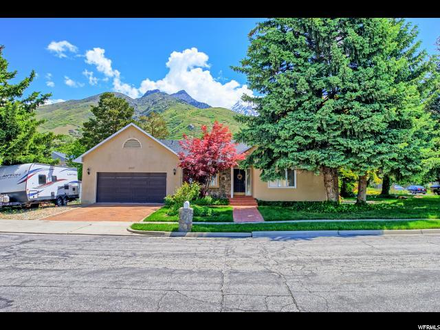 8497 S Scottish Dr, Cottonwood Heights, UT 84093 (#1604950) :: goBE Realty