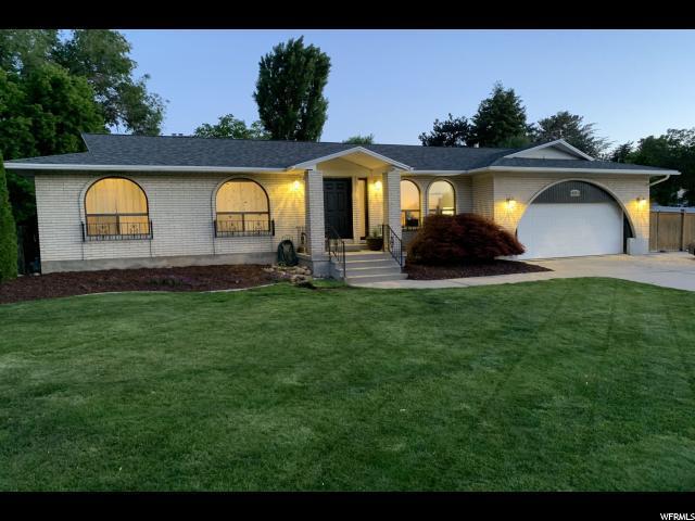 3316 E E Winesap Rd E, Cottonwood Heights, UT 84121 (#1608168) :: goBE Realty