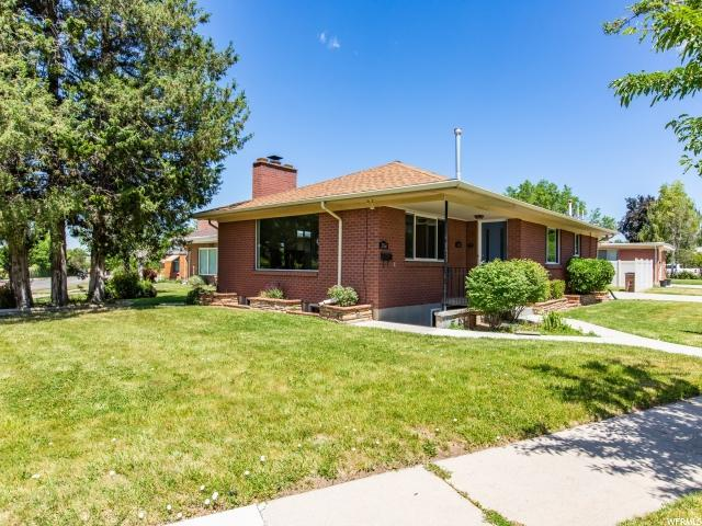 2364 S Country Club Cir Cir E, Salt Lake City, UT 84109 (MLS #1611180) :: Lawson Real Estate Team - Engel & Völkers